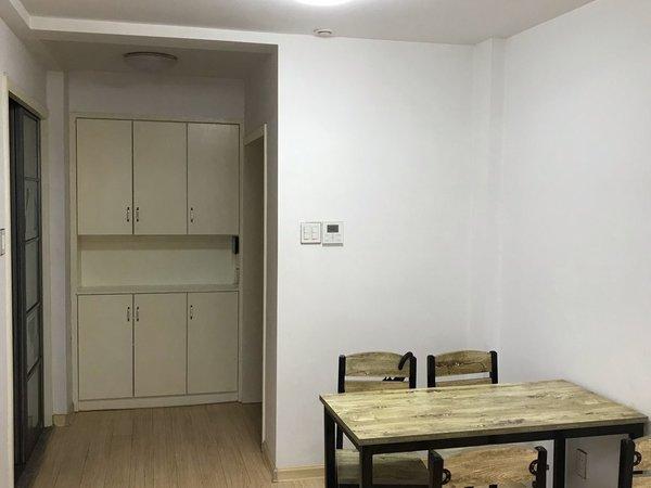 黄金楼层 干净整洁 精装修 家具家电齐全 随时免费看房