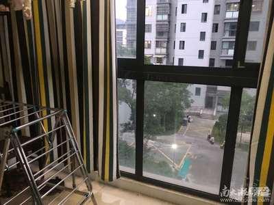 市中心朝阳里小区两室4楼干净卫生