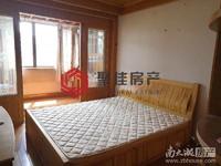 东白鱼潭小区4楼复式69平2室2厅带露台102万,看房方便满2年独立车库拎包入住