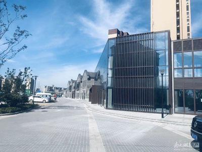 市中心繁华地段 沿街底商出售 纯一楼可自营 小区门口位置 学校200米 交通便利