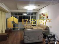 太湖花园:出售三室两厅120平,138万