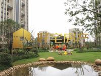 万联凤凰城:出售2室2厅1卫双学区繁华地带交通方便。售价136万元