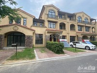 0331出售首创逸景联排别墅面积299.报价418万。