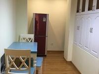 出租翰林世家2室2厅精装修3500月包物业车位