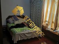 明都锦绣苑出售:三室两厅两卫,精装修,家具家电齐全,带有14平的自行车库。