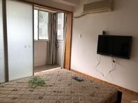 龙溪小区 4楼 两室一厅 精装 拎包入住 1700月