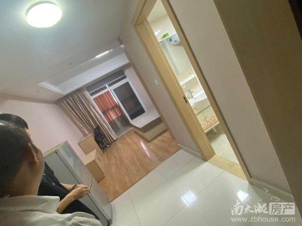 景鸿铭城精装公寓,带大阳台,家电齐全,看中面议