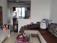 湖东小区,顶楼精装修,房东保养极好,阳光充沛,边套,看中可协!
