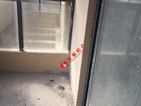 云峰苑3楼 毛坯 三室两厅一卫 满两年