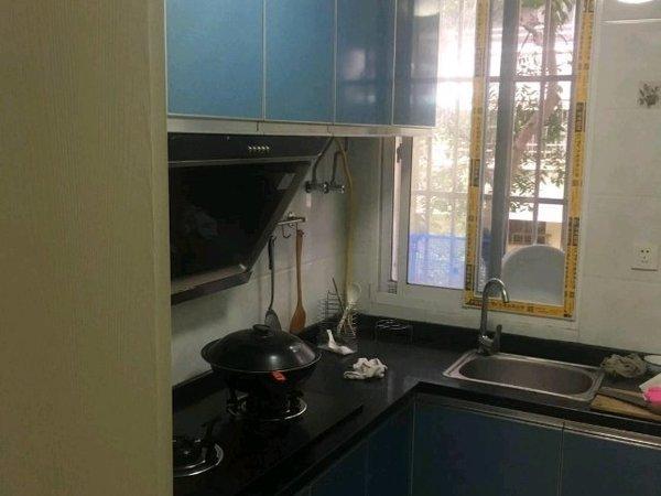 出租西白鱼潭小区2室1厅1卫55平米1750元/月住宅