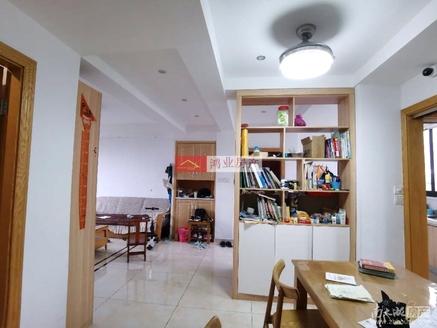 房东外地发展 在水一方四室一书二厅居家装户型好