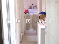 出售吉山二村四楼,一室一厅一卫精装修,学籍还在,未满两年