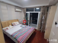 在水一方单身公寓38.5平一室一厅精装74万满2年。爱山五中学区拎包入住