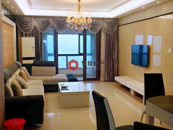 西西那堤25楼128平精装修149.8万拎包入住满2年,看房方便。家具家电齐全