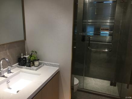 满二唯一住房 电梯房 精装修 115平 朝南 房东急置换 诚意