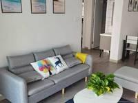 C637出租太湖印一期16楼 75平2室2厅全新精装修带一个车位2500元/月