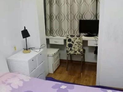 西西那堤9楼86平方,婚装两室两厅,家具家电齐全,拎包入住,售价96万,满两年