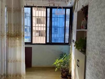 出售湖东小区3楼,2室1厅1卫54平米72.8万住宅