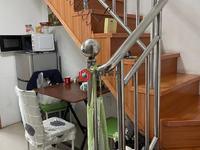 在水一方11楼74.5平,单身公寓复式普通装修125.8万,采光好看房方便