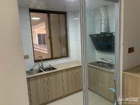 湖东府精装两室拎包入住,家具家电齐全车库独立位置号,出行方便