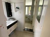 凤凰二村2室55平租金1800元/月交通方便5楼