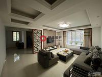 日月城多层车库上一楼125平三室2厅2卫居家装修198万看房方便拎包入住。满2年