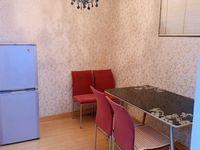 仁皇山庄 一室一厅 50平 精装 空,热,彩,冰,洗,床,家具 2000元