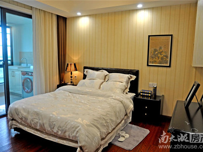 云峰苑8楼,126.35平,毛坯,四室,边套,户型好,赠送13905728621