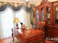 凤凰板块精装三房,中间楼层边套,带部分软装,随时看房欢迎咨询