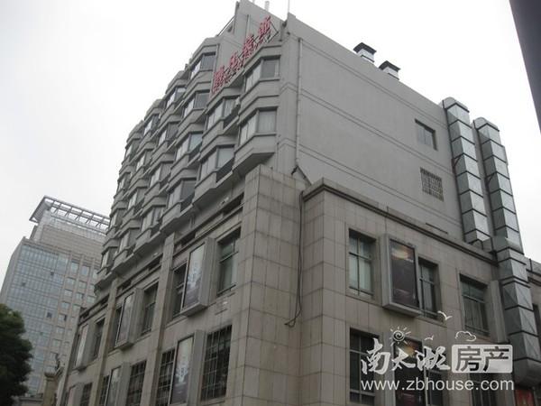 市中心阳光铭楼8楼39平单身公寓简装1100/月