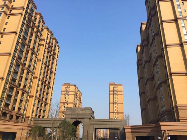 出租南太湖西苑17楼3室2厅100平毛坯15000元一年