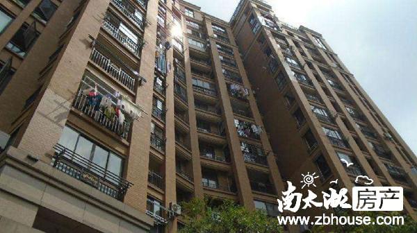 山水华府3楼88.5平米,二室二厅精装修,价格141.6万