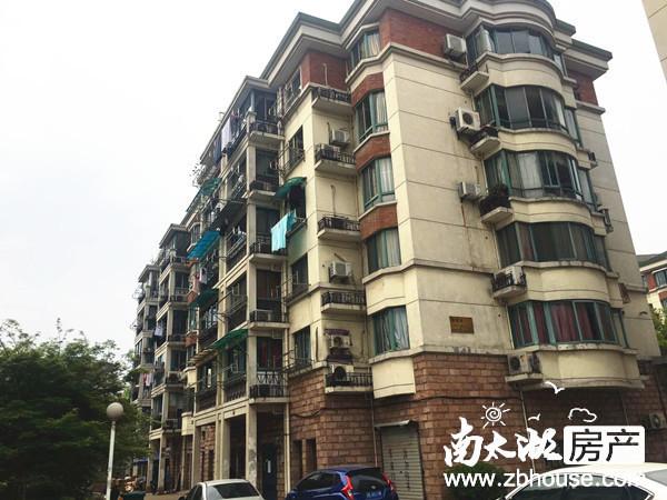 6370明都二期4楼 单身公寓出租 朝南 精装修带全套家具家电拎包入住1500元