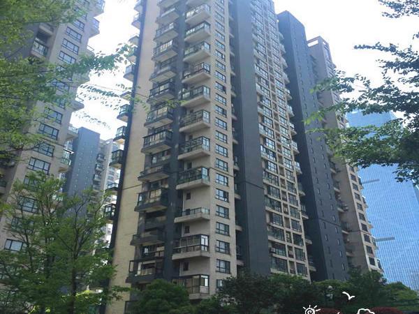 天元颐城140平米,3室2厅2卫2阳台,豪华婚装,4800元每月,有钥匙