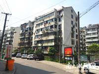 B5574出售龙溪小区1楼,42平,良装,满2年,63万