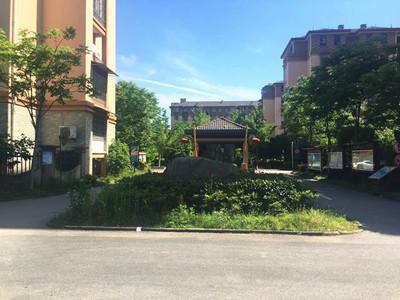 出售泰和家园3楼,69平,2室2厅,毛胚,满2年,车库独立,98万