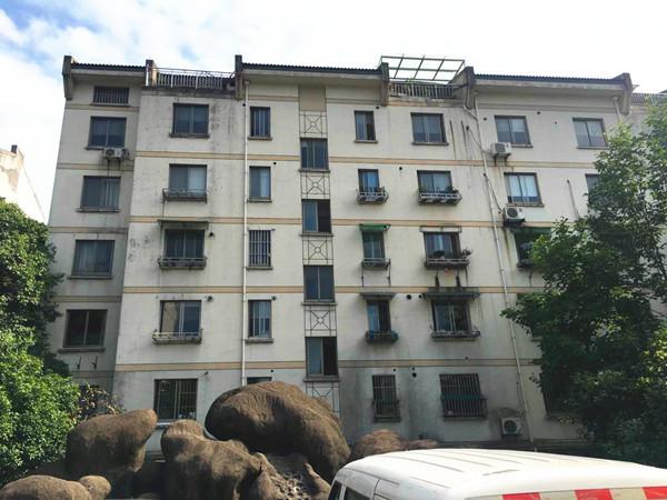 出售南白鱼潭小区2室2厅1卫62.98平米86.5万住宅