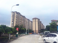 金色地中海 多层2楼共5楼 75平 2室2厅 自住精装首次出租 每月3000元