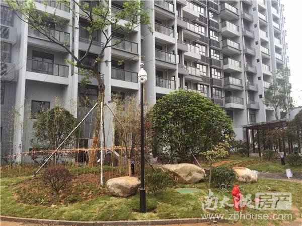 出售:朝阳里小区 好楼层 62平米 82.8万 拆迁房毛坯