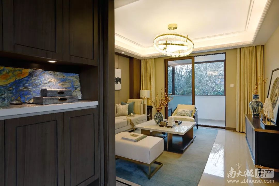 由香港室内设计大师邱德光设计的深圳壹方·玖誉,一套面积438㎡面积的