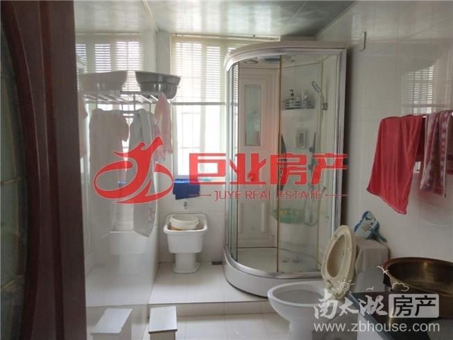 清丽家园 四室二厅二卫 南北露台 满五年 看房联系:13567226007