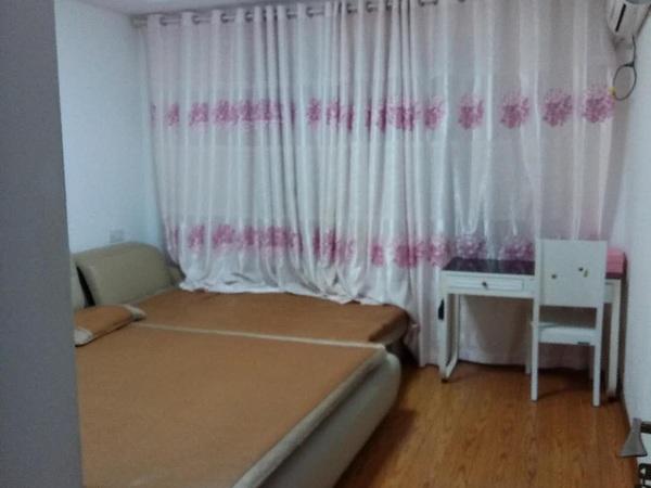 卡丽兰精装小洋房3室2厅 套型好 带储藏室10平 电话13957257861