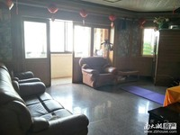 马军巷小区5楼带阁楼良装3室2厅1卫实际使用面积150平左右