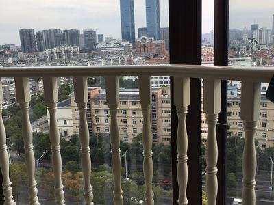 金色水岸11楼精装朝南单身公寓2400 有钥匙---苏哥15257204777