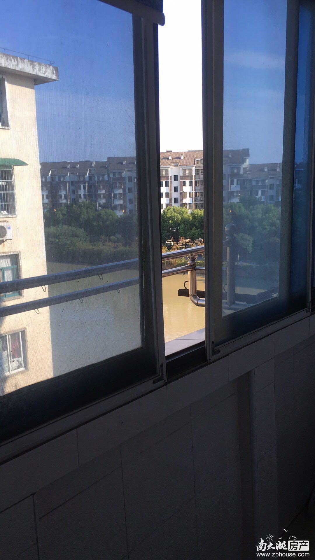 金色水岸11楼精装朝南单身公寓2500 有钥匙---苏哥15257204777