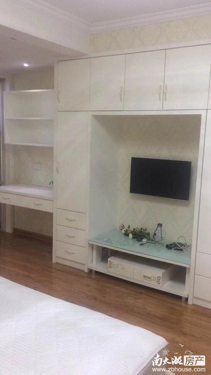 骏明国际3楼精装一室一厅2400/月---苏哥15257204777