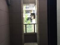国贸仁皇花园洋房2楼103.2平米,三室二厅报价160万