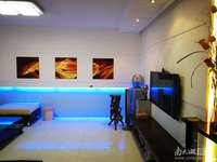 仁皇山庄2楼116平米,三室二厅精装修,报价195万
