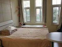 春江名城单身公寓 3楼 40平 1室1厅1厨1卫 精装 1800元/月 付三押一