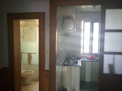 出租华丰南区5楼63平,2室2厅,家电齐全,拎包入住,1600元